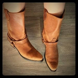 Vulcan cowgirl boots 9